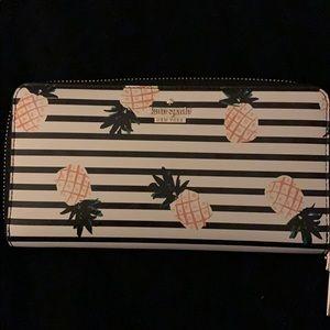 Kate Spade all around zipper wallet